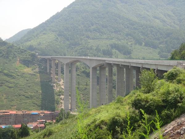 湖南洞新高速