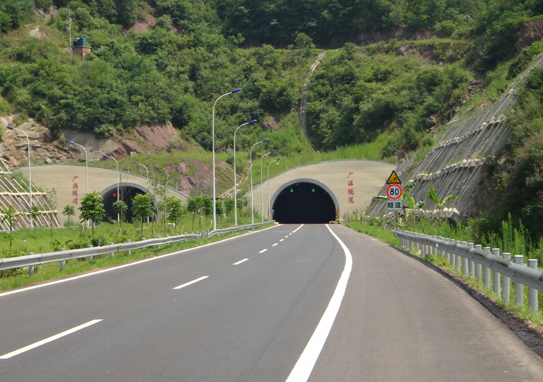 四川達陜高速公路D12標